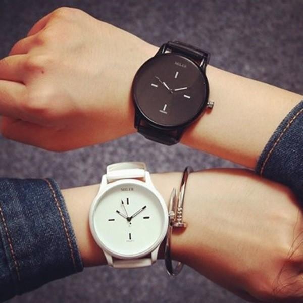 Женские и мужские спортивные часы