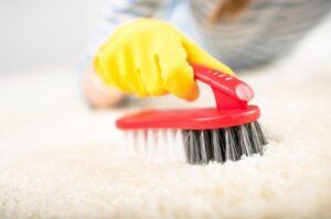 Ручная чистка ковров – правила и советы