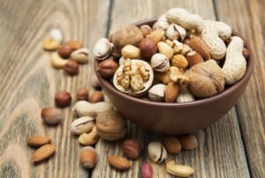 Орехи источник витаминов и питательных веществ