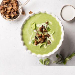 Едим полезное из кладовой - суп из лука-порея