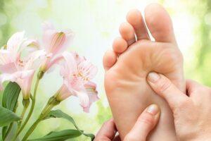 Правильный уход за ступнями и пятками