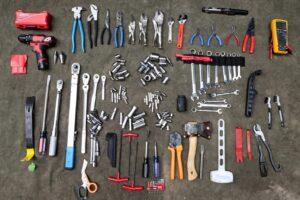 Выбираем набор инструментов для автомобиля