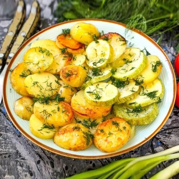 Запеченный картофель с цуккини - рецепт здоровья