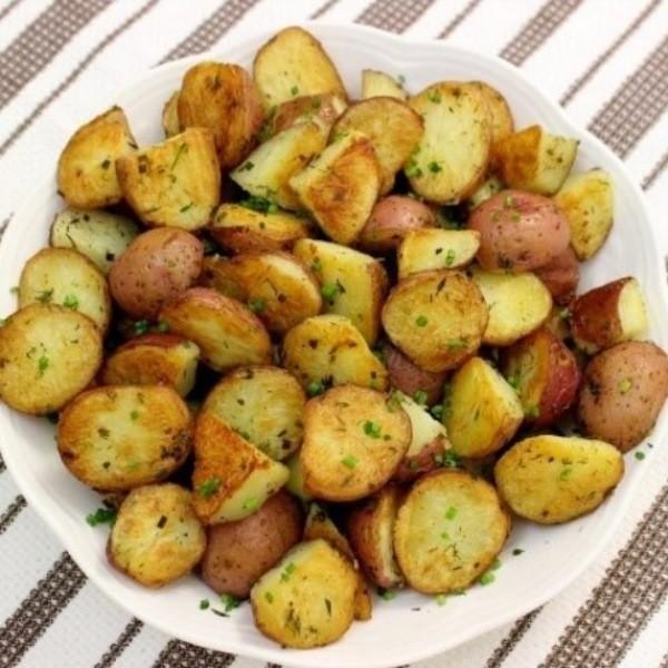 Приготовьте запеченный картофель как быстрый ужин