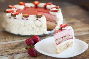 Клубничный торт с шоколадным муссом - способприготовления