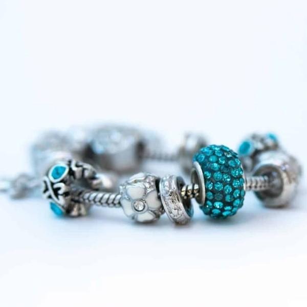 Правильный уход за украшениями из серебра