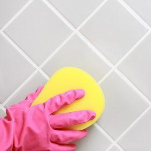 Как очистить швы между плиткой в ванной и на кухне