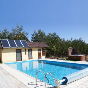 Подогрев воды в бассейне с помощью солнечных панелей
