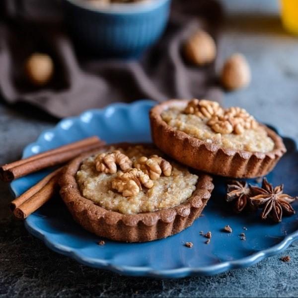 Простые и недорогие кексы с начинкой из грецкого ореха