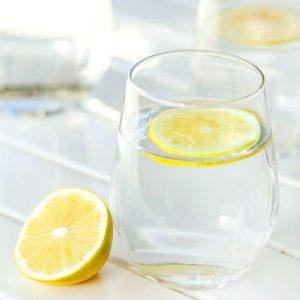 Вода с лимоном - польза и противопоказания